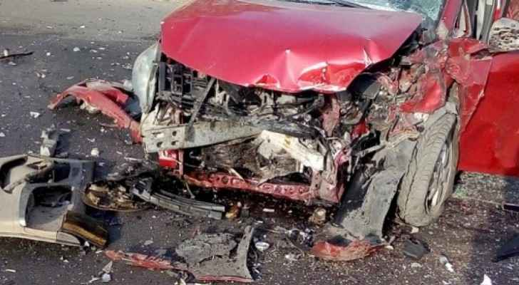 Nine people injured in three-car collision in Rihab area